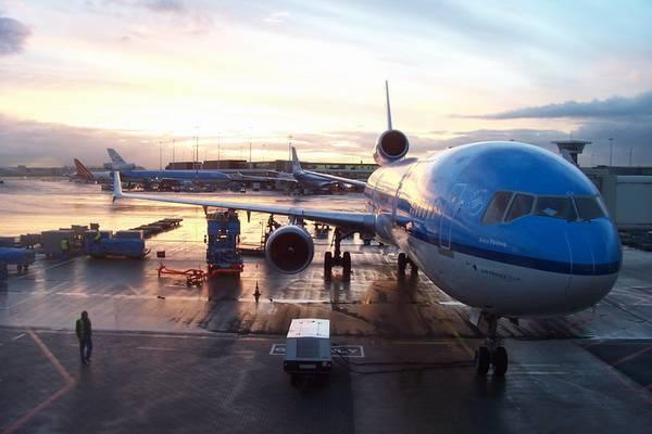Однорічна дитина розбився на смерть в аеропорту