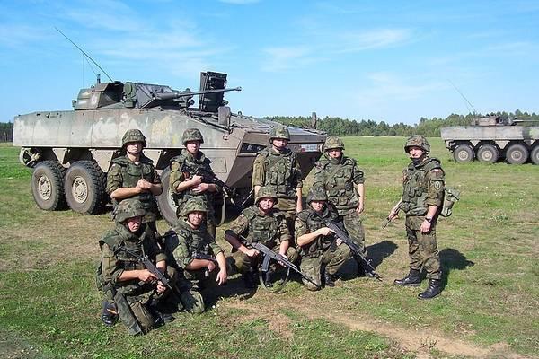 Солдат бундесверу протаранив натовп товаришів по службі