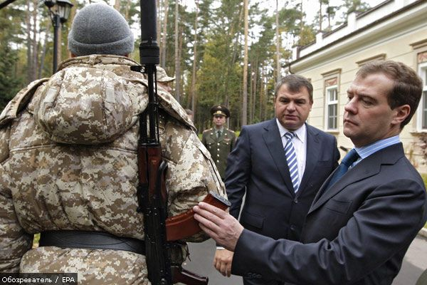 Медведєв дозволив використовувати армію за кордоном