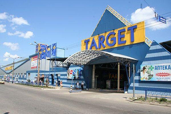 Хто стоїть за захватом супермаркетів у Харкові?