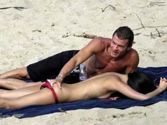 Секс-рейтинг возглавили актриса и израильский миллиардер