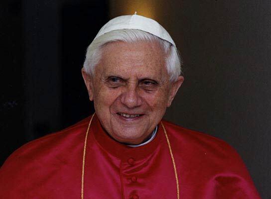 Папа Римский слушает рэп!