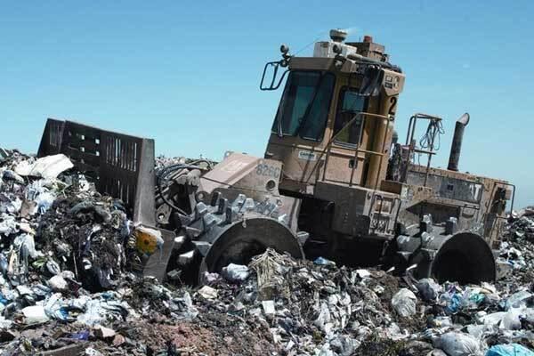 На Тернопольщине опять перекрыли дорогу на мусоросвалку