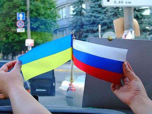 Історик закликає не робити з України жертву