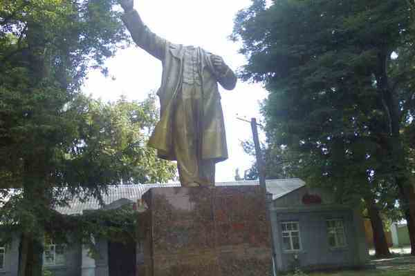 У Санкт-Петербурзі підірвали пам'ятник Леніна