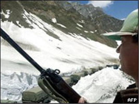 Семеро індійських військових загинули під лавиною