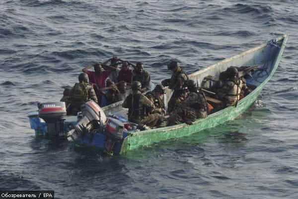 Французькі військові взяли в полон 11 сомалійських піратів