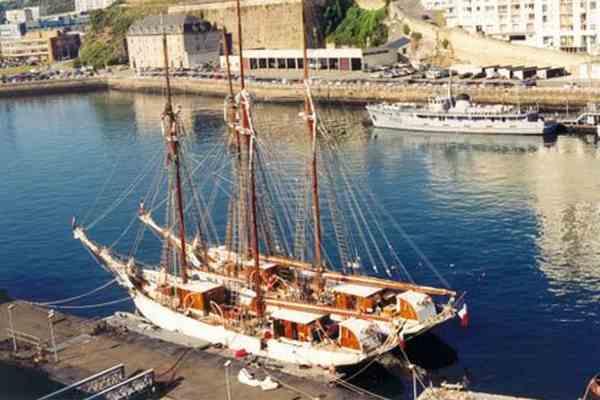 Французькі рибалки взяли Британію в морську блокаду