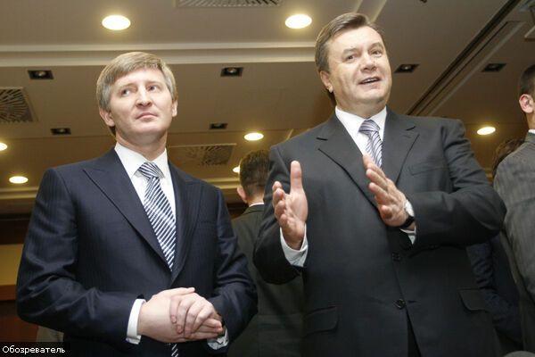 Янукович відчайдушно вірить у дружбу з Ахметовим