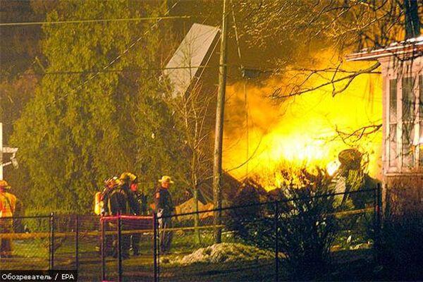 У США на житловий будинок впав літак