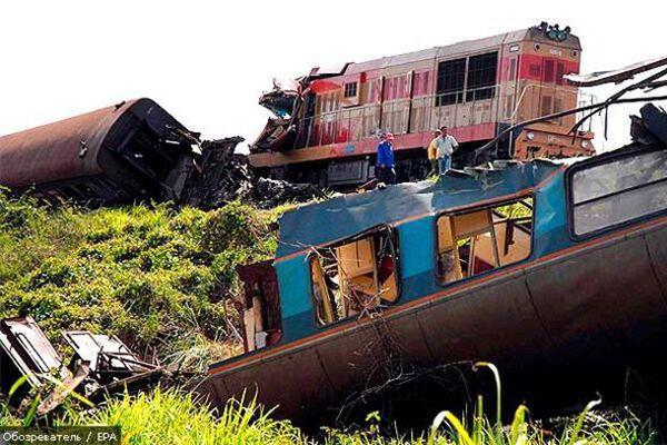 У Мексиці зіштовхнулися два потяги: 70 постраждалих
