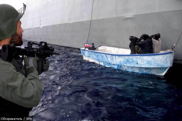 Росіяни відбили напад сомалійських піратів на танкер