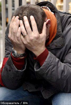 У Сербії профспілковий лідер з'їв палець на знак протесту