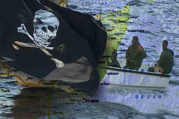 От сомалийских пиратов отбились досками и бревнами