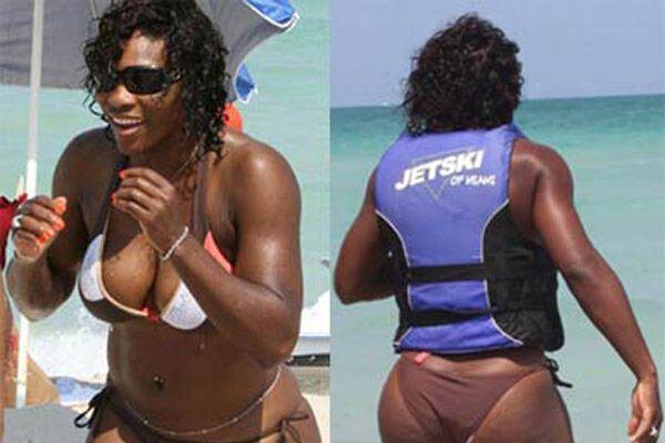 Теннисистка с самой большой грудью порезвилась на пляже (фото)