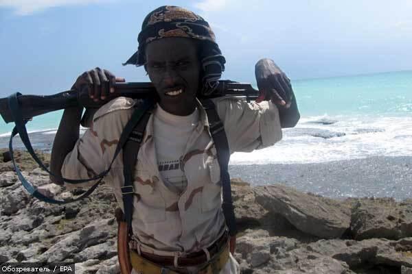 Сомалийские пираты убили индийского заложника