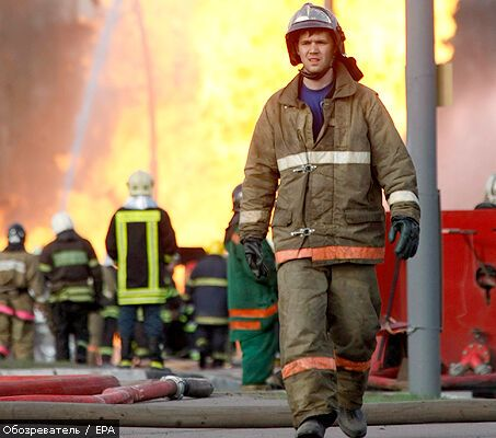 Развлекательный центр горит в центре Москвы
