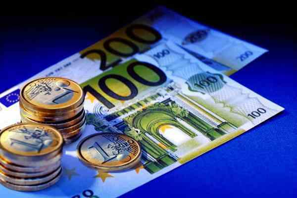 Немец рассеял по автобану 23 тысячи евро