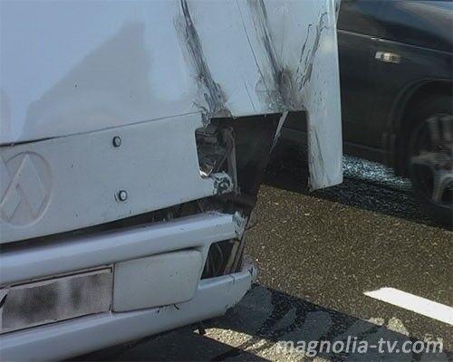 На Выдубичах перевернулся автобус, пострадали 7 человек
