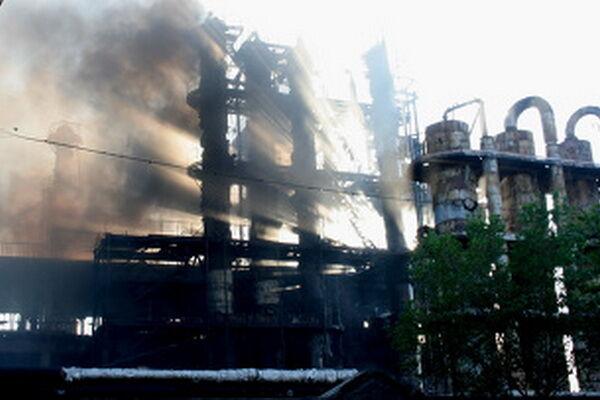 Число жертв пожара на заводе в Ереване достигло четырёх