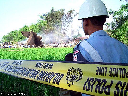 В авиакатастрофе самолета ВВС Индонезии погибли 78 человек