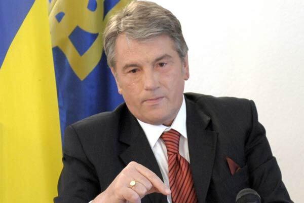 Ющенко не позволит отставить Еханурова