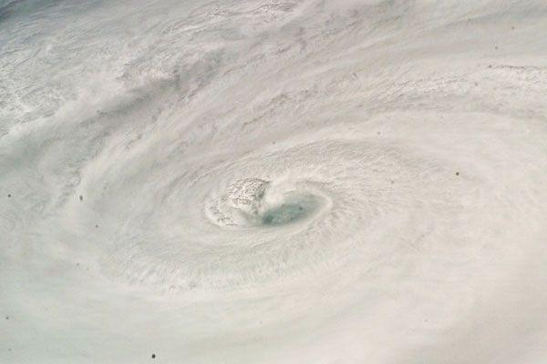 На Алматы обрушился ураган