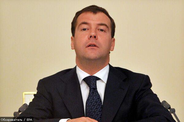 Медведев хочет большей власти в СНГ