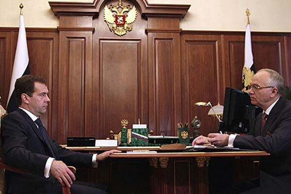 Медведев требует увеличить влияние РФ на СНГ