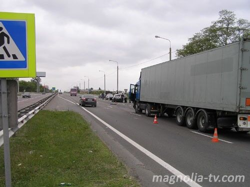 ДТП: фура раздавила автомобиль ГАИ (ФОТО)