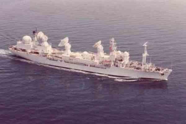 Корабль ВМС США превратился в гигантский риф