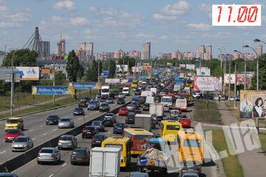 Огромные пробки поглотили Южный и Московский мост (ФОТО)
