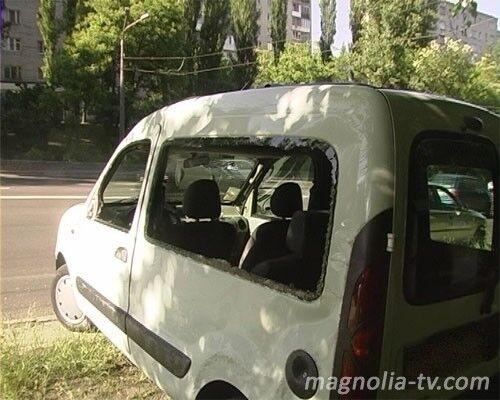 Водитель не справился со своим авто, но избежал трагедии