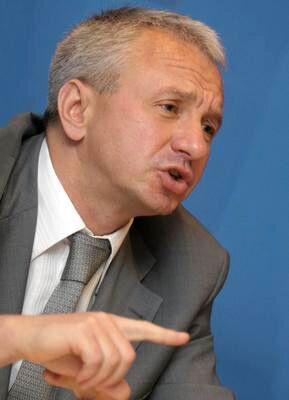 Министр ЖКХ готов подать в отставку