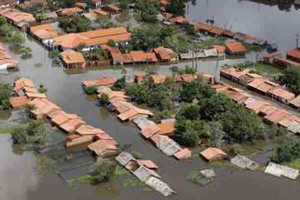От внезапного прорыва плотины погибли четыре человека