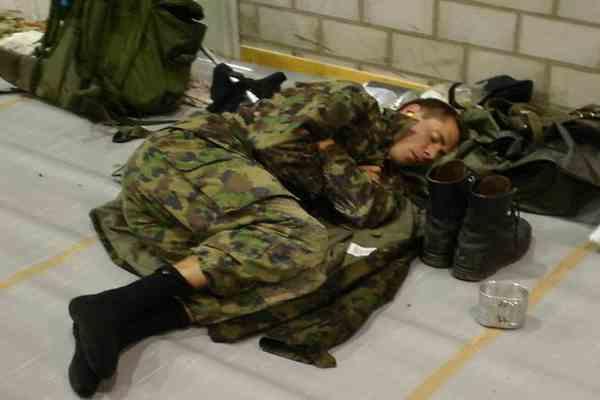 В Швецарии 250 солдат изолированы с подозрением на грипп