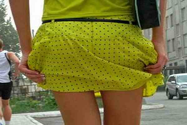 Польским дипломаткам запретили мини-юбки и декольте