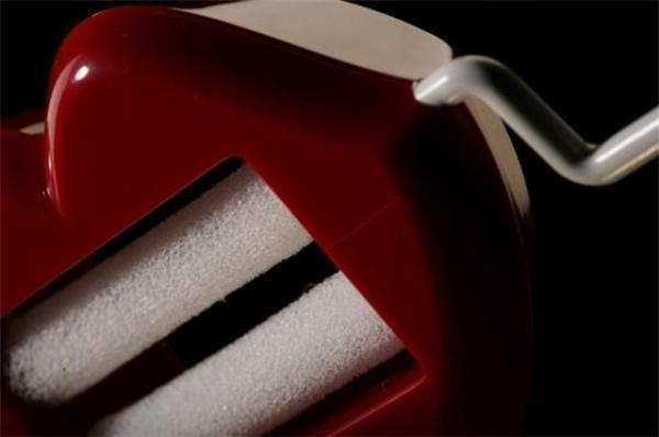 Новая версия губозакаточной машинки