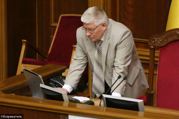 Чечетов: БЮТ заблокувала трибуну за гроші на похмілля