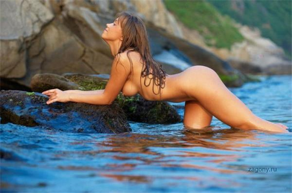 В предвкушении отпуска - море, солнце, нудистский пляж...