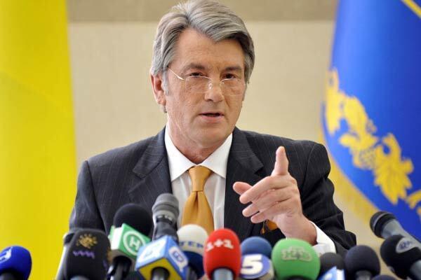 """Ющенко """"накляузнічал"""" на Тимошенко в ЄС"""