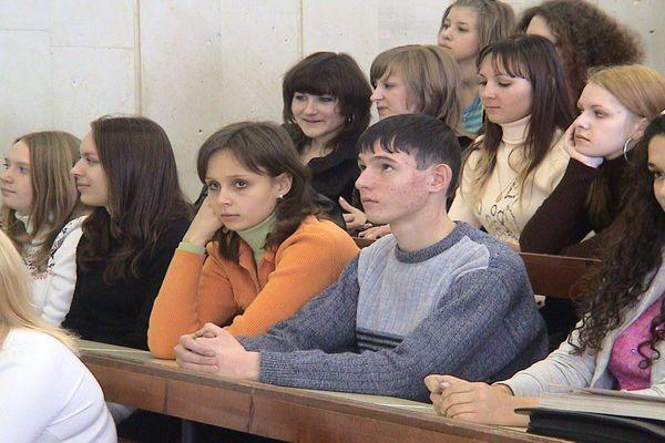 Украинским школьникам разрешили вступать в российские вузы