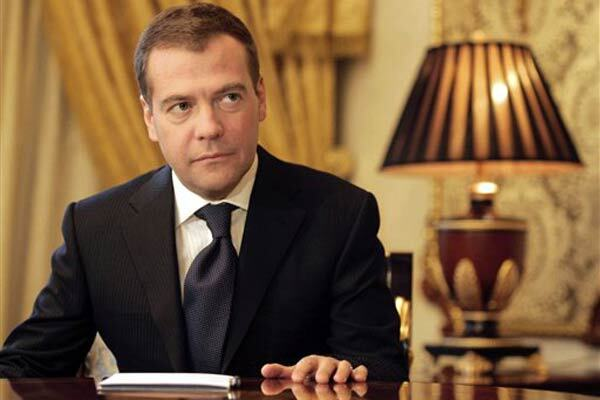 КПУ поддержала послание Медведева. НУ заступилась за Ющенко