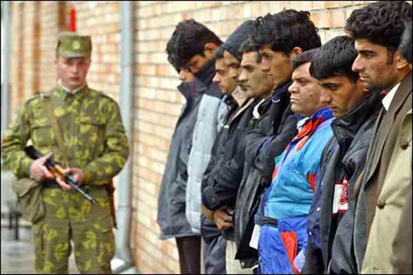 Полиция арестовала банду торговцев людьми в Греции