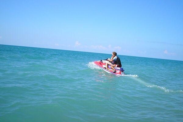 В Евпатории столкнулись 2 водных мотоцикла
