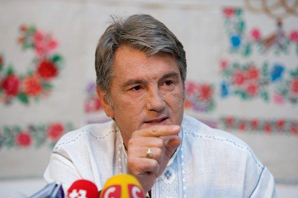 Ющенко просит Тимошенко не думать о президентских выборах