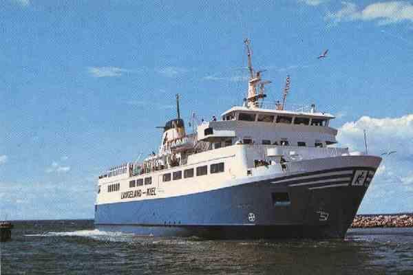 На поиски судна с украинцами отправлен подводный робот