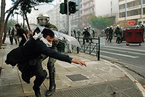 При перестрелке в Греции ранены полицейские