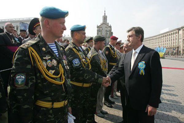 Президент внезапно озаботился армией
