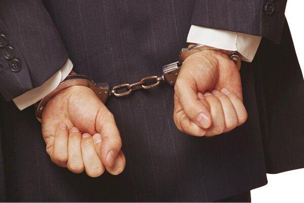 В Сумах на горячем поймали очередных налоговиков-взяточников